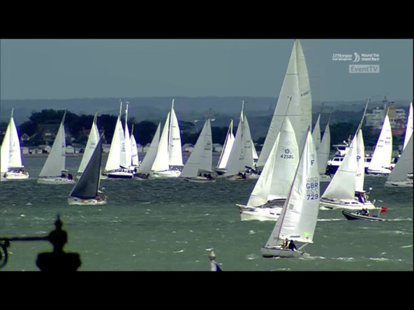 Sail Number 4258L off the start